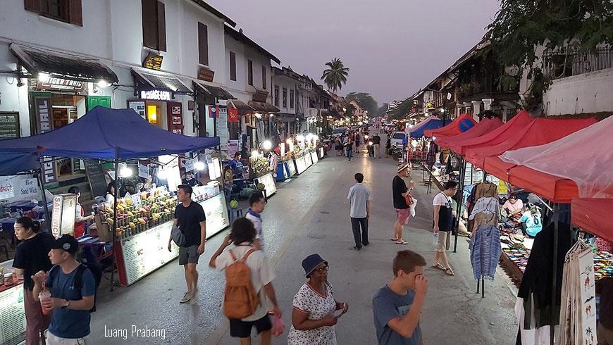 marche-de-nuit-luang-prabang-laos-870
