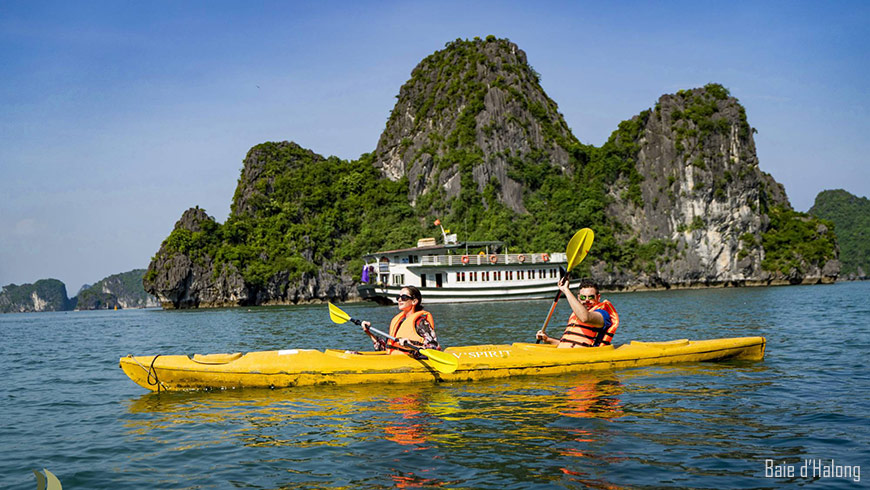 Baie-Ha-long-kayak-870