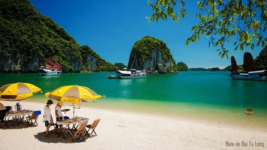 Déjeuner à la plage – Baie d'Halong;