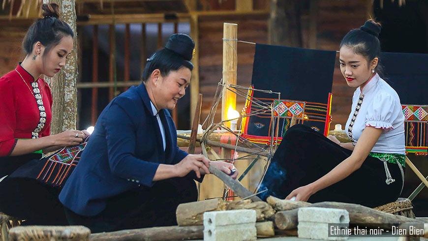 Dien-Bien-Phu-Vietnam-ethnie-thai-noir-870