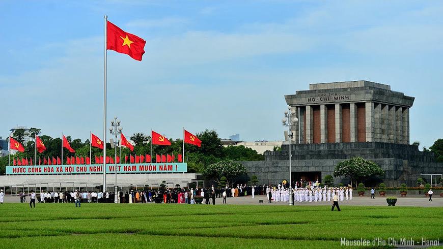 Hanoi-mausolee-ho-chi-minh-870