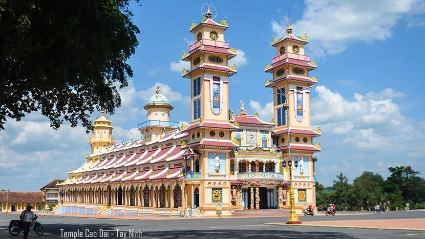 temple-cao-dai-tay-ninh-vietnam-870